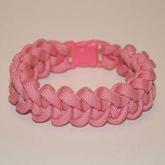 knots patterns paracord | Photo: Regular pink in a shark jaw bone pattern.