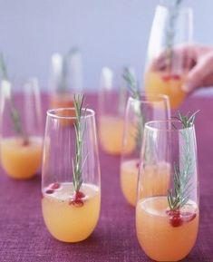Cocktail frizzante al pompelmo