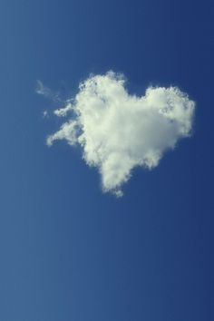 I Love this~ A Heart Shaped by the Clouds in the sky! Beautiful Sky, Beautiful World, Beautiful Beaches, Beautiful Images, Heart In Nature, Pixel Color, I Love Heart, Jolie Photo, Sky And Clouds