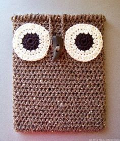i love owls!! here is a croched ipad-case formed like a owl