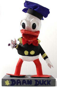 duck.jpg (JPEG-afbeelding, 1048×1600 pixels)  DONALD DUCK SURPRISE CRAFT PINATA