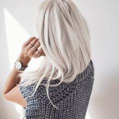 Messy hair & silver details. #cluse #shopartikel #platinumhair