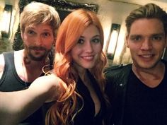 A new pic of Dom, Katherine and Jon from Last night after They finished filming episode 2! #Shadowhunters