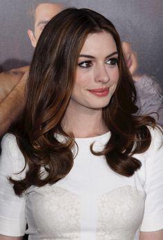 Anne Hathaway's hair rocks!