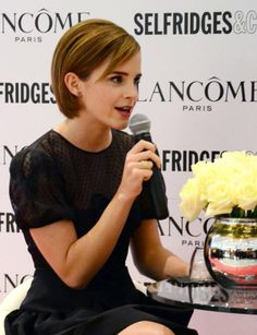 Emma Watson's Lovely and Gorgeous Bob Cut