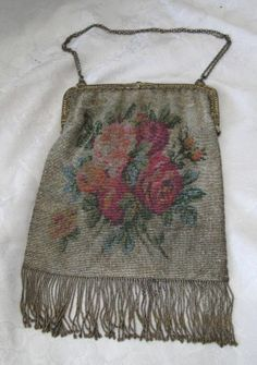 ANTIQUE VICTORIAN MICRO BEADED FLORAL ROSES PURSE