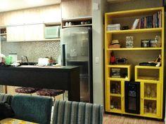 Apartamento da leitora: Elda Vieira | Comprando Meu Apê Liquor Cabinet, Storage, Fresca, Grande, Furniture, 1, Home Decor, House, Kitchens