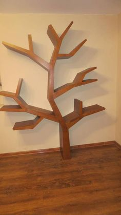 Pakrisz / Knižnica  strom