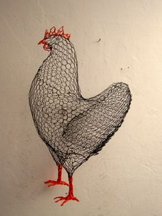 Art | Benedetta Mori Ubaldini -- a chicken made with chicken wire, so clever!