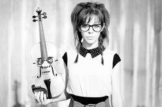Rock/electronic/violinist Lindsey Stirling - AMAZING