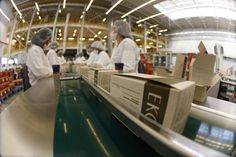 Linha de produção dos sabonetes Natura Ekos http://www.natura.com.br/www/nossas-marcas/ekos/