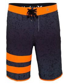 • Boy's modern performance fit• Phantom 60% stretch. 86% recycled polyester / 14% spandex• Paten...