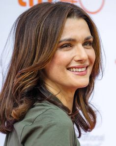 Rachel Weisz at the premiere of her film The Lobster at the Toronto International Film Festival on Friday, Westminster, Daniel Craig, Rachel Weiss, Portraits, Classic Beauty, London, Hollywood Actresses, Belle Photo, Beautiful Actresses