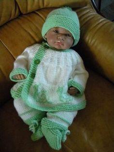 c95ba8cd1dd8 123 meilleures images du tableau Bebe   Tricot pour bébé, Tricot ...