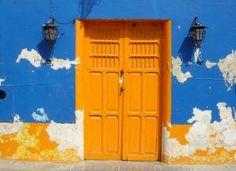 lager målad vägg och dörr