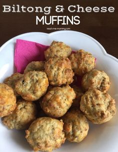 Biltong & Cheese Muffins – Teach Me Mommy Biltong & Cheese Muffins, South African recipe, but substitute biltong for bacon: still yummy! African Recipe For Kids, South African Recipes, Ethnic Recipes, Savory Muffins, Savory Tart, Savory Snacks, Cheese Scones, Cheese Muffins, Tapas