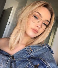 trendy glasses makeup looks eyeglasses New Glasses, Girls With Glasses, Makeup With Glasses, Girl Glasses, Glasses Outfit, Blonde With Glasses, People With Glasses, Fake Glasses, Wearing Glasses