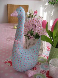 Sewing Crafts, Sewing Projects, Projects To Try, Christmas Diy, Christmas Decorations, Fabric Animals, Bird Ornaments, Diy Weihnachten, Fabric Dolls
