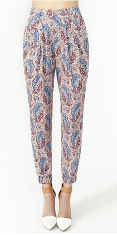 Not going anywhere: The statement pants trend. www.ddgdaily.com #fashion