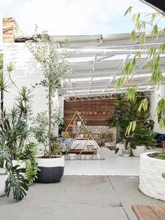 Poppy Lane and Scott Gibson — The Design Files Outdoor Gardens, Indoor Outdoor, Outdoor Living, Outdoor Seating, The Design Files, Design Blog, Exterior Design, Interior And Exterior, Roof Design