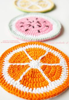 I think everyone should have a set of these fun and oh so SUMMERY Fruity Potholders!  All you have to do is hop on over to Heart Handmade UK and the Free Crochet Pattern is waiting for you.  If you can't crochet…find someone that does!  These are just too cute…I feel as though you need …