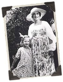 """Phelan Beale left Edith in 1934 and moved to his hunting lodge. He later divorced her in 1946 by telegram from Mexico (Little Edie referred to it as a """"fake Mexican divorce"""" because it was not recognized by the Catholic Church). Edith received child support, but no form of alimony. She kept Grey Gardens as part of the settlement and found the imposing home difficult to maintain on her own financially. Unable to support herself, her father would have to contribute upwards of $ 3,500 a…"""