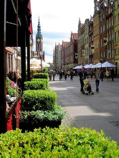 Walking around in the old city of Gdansk, Poland (by lektor74).