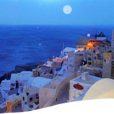 Santorini Photo  by sarahpowers