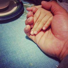 """Cada minuto que puedas dedicar a tus hijos es tiempo valioso tiempo ganado el mejor tiempo. Cuando es con amor cada momento quedará grabado en el recuerdo para siempre.  Vía @jon_martinezr -  Me dice ella """"Papi desayunamos juntos los dos solos""""  a esa invitación no le puedo decir que NO... #LaNenaDePapi #MiaRafaela #CitaConMiPrincesa  #Vida #Familia #Liderandotuvida #Liderazgoefectivo"""