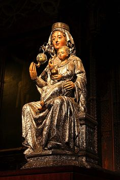 Our Lady saves a condemned robber because of his fidelity to her, from The Glories of Mary by St. Personal Prayer, Catholic Books, Hail Mary, Madonna And Child, Medieval, Gothic Art, Our Lady, Mythology, Sculpture