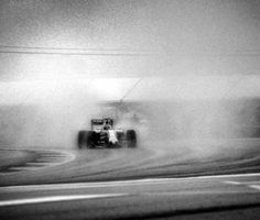 Man uses 104 y/o camera to capture Formula 1 like you've never seen it before photos) Fire Photography, Photography Photos, Pinewood Derby Cars, Old Cameras, Formula 1 Car, Like Image, Car Ford, Picture Design, Photoshoot