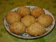 Cristina's world: Biscuiti simpli si deliciosi, cu cocos Muffin, Breakfast, Ethnic Recipes, Food, Morning Coffee, Essen, Muffins, Meals, Cupcakes