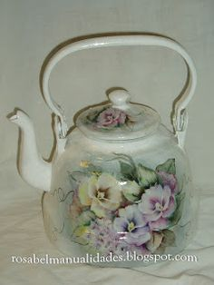 Rosabel manualidades Recycled Crafts, Diy And Crafts, Painted Milk Cans, Shabby Chic Accessories, Decoupage Vintage, Teapots And Cups, Tole Painting, Bottle Crafts, Vintage Pink