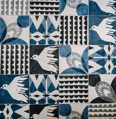 Tiles Off the wall. Design: Emma von Brömssen, Cecilia Pettersson, Anna Backlund and Elisabeth Dunker // House of Rym Textures Patterns, Print Patterns, White Patterns, Patchwork Tiles, Surface Pattern Design, Gravure, Textile Design, Illustrations, Decoration