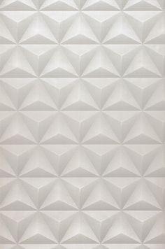29,33€ Preço por rolo (por m2 5,50€), Papel de parede geométrico, Material base: Papel de parede TNT, Superfície: Relevo palpável, Vinil, Efeito: Mate, Design: Elementos gráficos, Cor base: Branco creme, Cor do padrão: Cinza claro, Características: Boa resistência à luz, Lavar com detergente e escova , Baixa inflamabilidade, Removível, Colar na parede