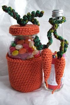 With Easter on its way this would make a cute #crochet gift for the holiday. If you're hosting Easter brunch this also makes a nice decorating piece.