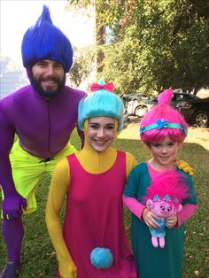 Dreamworks Trolls movie Halloween DIY family costume! Giving Justin Timberlake a run for his money! Yay for Poppy the Troll!