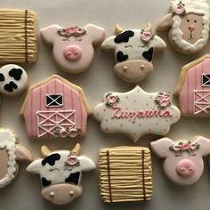 Cow Birthday Parties, Birthday Cookies, Birthday Ideas, Farm Cookies, Cookies Et Biscuits, Sugar Cookies, Farm Animal Birthday, Farm Birthday, Country Birthday