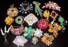 Gorgeous Lot of 19 Vintage Rhinestone Pins