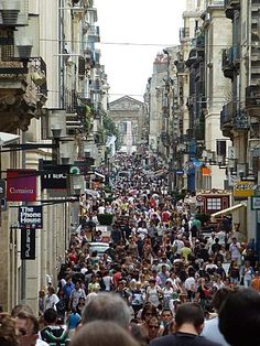 Bordeaux - Rue Sainte Catherine. Longest pedestrian shopping street in France.