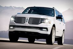 2014 Chicago Auto Show unveiled the first look of all new Lincoln Navigator, the Lincoln Motor Company launched 2015 Navigator providing a brand new understanding of a typical vehicle that has been termed as a luxury SUV.