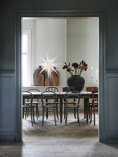Dining Room Inspiration: 10 Scandinavian Dining Room Ideas You'll Love Room Interior Design, Interior Exterior, Dining Room Design, Interior Design Inspiration, Design Ideas, Kitchen Interior, Bistro Chairs, Dining Chairs, Bentwood Chairs