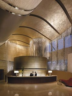 I also like the reception. This whole space is nice. Jing An Shangri-La, West … I also like the reception. Jing An Shangri-La, West Shanghai – Lobby Reception Hotel Lobby Design, Modern Hotel Lobby, Lobby Reception, Reception Design, Reception Counter, Reception Seating, Diy Design, Interior Design, Espace Design