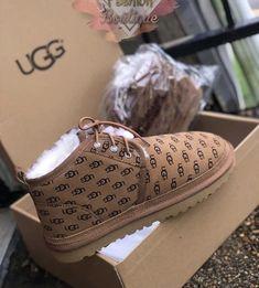 Jordan Shoes Girls, Girls Shoes, Cute Sneakers, Shoes Sneakers, Cute Uggs, Crocs, Sneakers Fashion, Fashion Shoes, Fashion Outfits