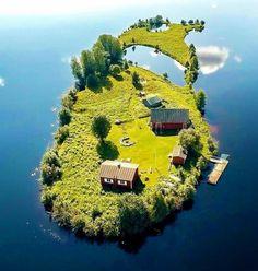 Fairytale island home at Rovaniemi, Finland ///