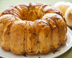 Buttery Onion Pull-Apart. Yum with your pasta or dipped in soup!