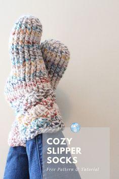 Cozy Crochet Slipper Socks - Free Pattern & Tutorial - B.hooked Crochet Cozy Crochet Slipper Socks - Free Pattern & Tutorial - B.hooked Crochet,Crafts and crocheting Cozy Crochet Slipper Socks. Click through for the free pattern and video tutorial! Easy Crochet Slippers, Crochet Slipper Boots, Crochet Socks Pattern, Crochet Cozy, Slipper Socks, Crochet Crafts, Knitting Patterns, Free Crochet Slipper Patterns, Knitting Projects