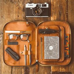 Leather accessories made in the USA. Products include leather iPad folio, Tech Dopp Kit, leather organizer, iphone, Cord Taco, Cordito, and Mod. Made in LA.