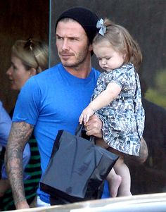 Harper Beckham, the adorable youngest child and only daughter to Victoria and David Beckham, is forever being cuddled and coddled by her dashing father. Here, her first two years with her proud papa in pictures. Victoria And David, David And Victoria Beckham, Daddy Daughter Photos, David Beckham Style, Harper Beckham, Bend It Like Beckham, Hot Dads, Mom Pictures, Cute Baby Photos