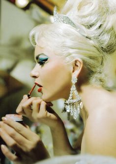 #Showgirl gets ready for the Folies Bergere show at the Hotel #Tropicana, Las Vegas,1969